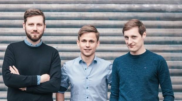 Niklas Jansen (esquerda), Tobias Balling (centro) e Holger Seim, fundadores da Blinkist (Foto: Divulgação)