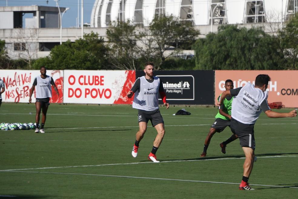 Fabiano participa de treino do Inter e pode fazer estreia no Gre-Nal (Foto: Eduardo Deconto)