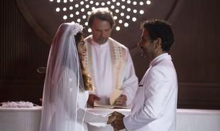 Na segunda-feira (20), Maria da Paz (Juliana Paes) e Amadeu (Marcos Palmeira) irão se conhecer e ficarão noivos, apesar de suas família serem rivais. Mas ele levará um tiro no altar | TV Globo