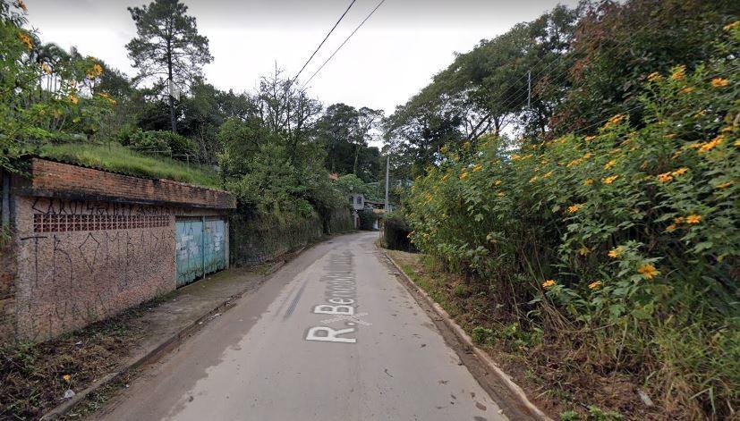 Explosão em suposta refinaria de drogas deixa um morto e feridos em Mairiporã, na Grande SP