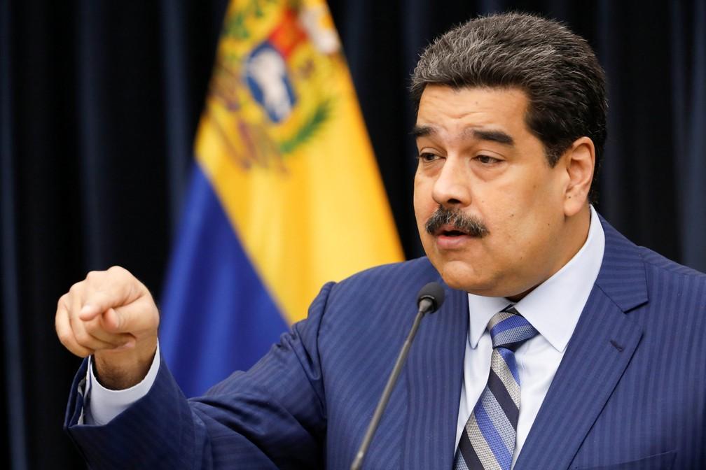 Presidente venezuelano, Nicolas Maduro, fala no Palácio Miraflores, em Caracas, na terça-feira (12)  — Foto: Marco Bello/ Reuters