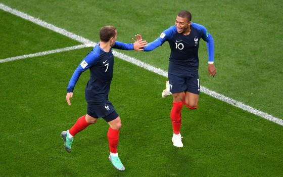 Griezmann e Mbappé. A dupla de ataque torna a França numa das seleções mais letais da Copa de 2018 (Foto: Getty Images)