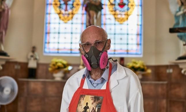 Padre  Julio Lancellotti durante a pandemia do coronavírus