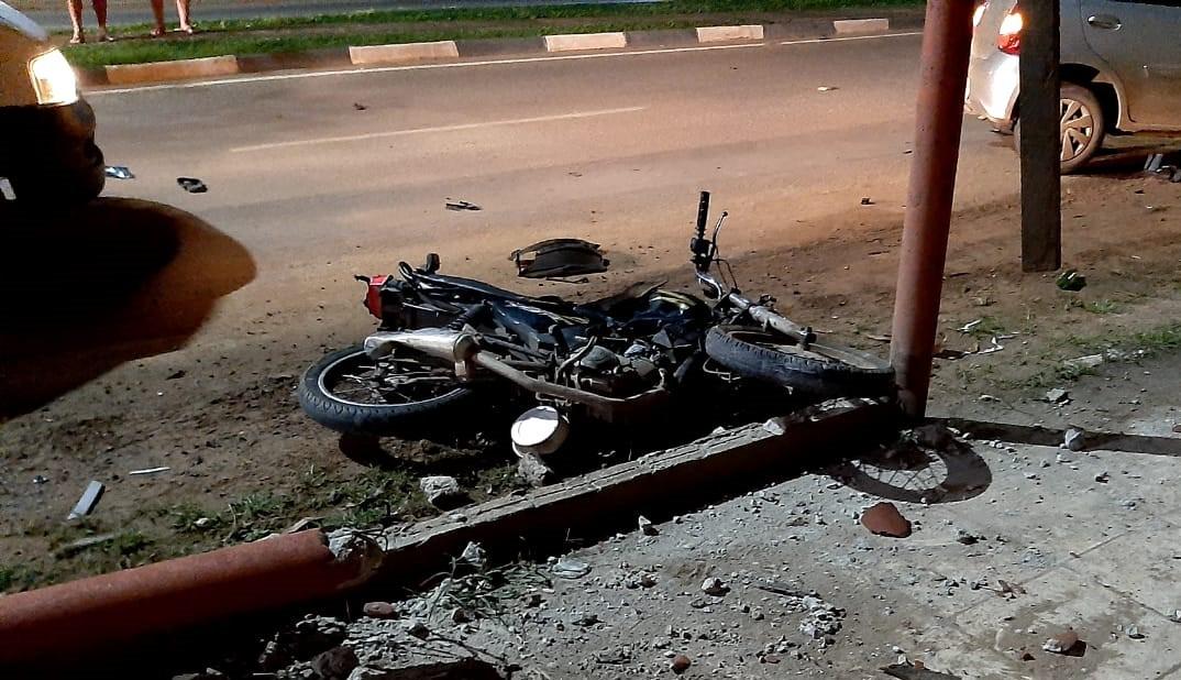 Motociclista morre após batida com carro na zona Oeste de Boa Vista