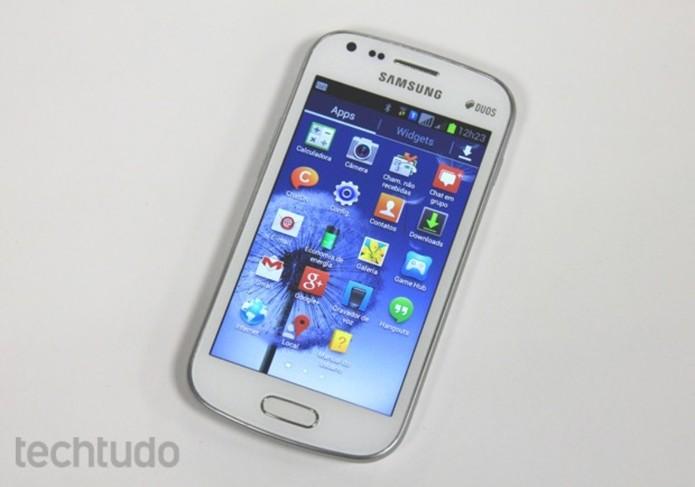 Galaxy S Duos traz Android mais antigo com poucos aplicativos nativos instalados (Foto: Elson de Souza/TechTudo)