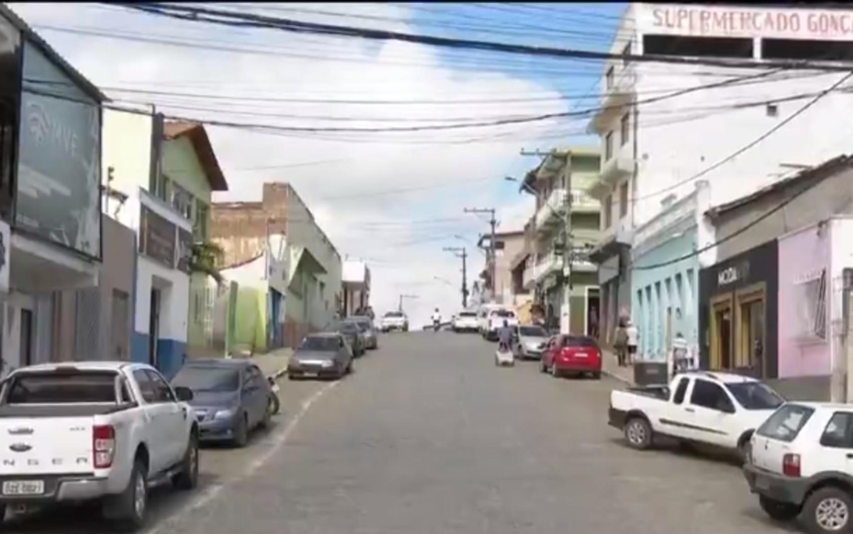 Prefeitura de Ibicuí estima prejuízo de cerca de R$ 5 milhões por causa do cancelamento dos festejos juninos na Bahia