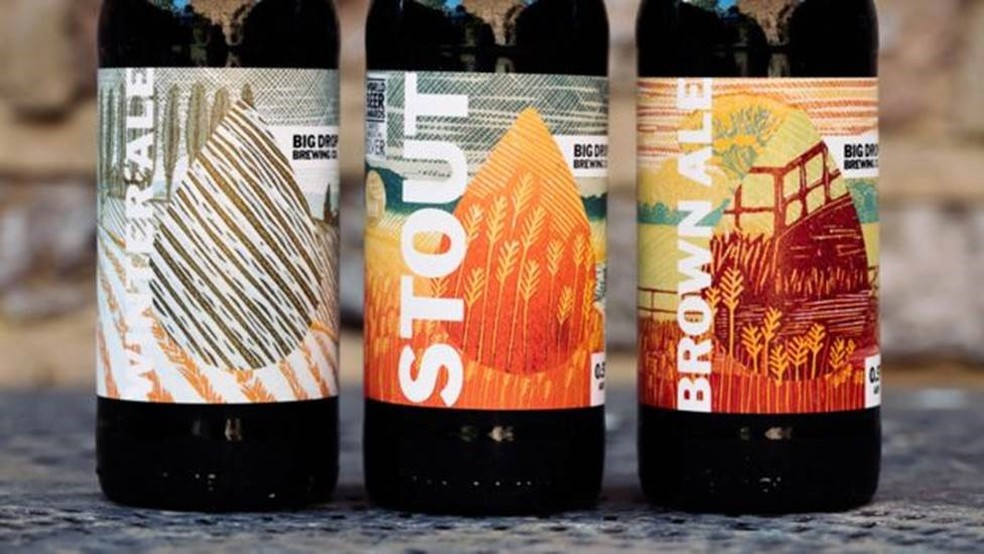A cervejaria Big Drop Brewing hoje exporta cerca de 40% da produção — Foto: BBC