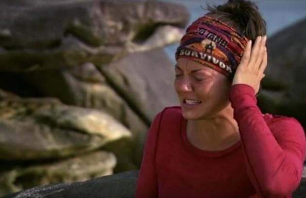 Na 32ª temporada do programa, em 2016, um inseto entrou na orelha de Jennifer Lanzetti. Ela começou a reclamar de uma dor terrível. Até que o bicho saiu (Foto: Reprodução)