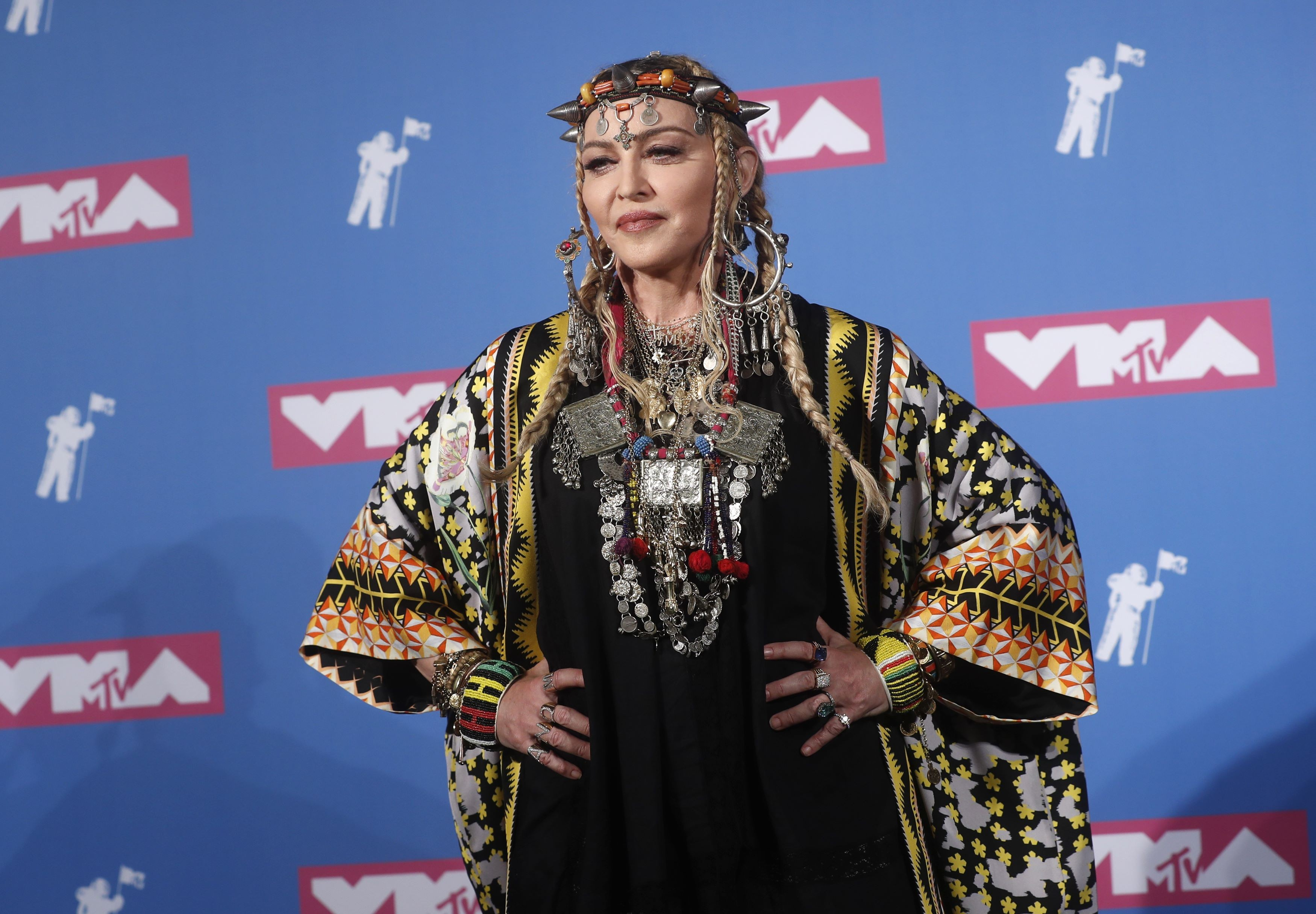 Madonna é criticada por falar de si mesma em homenagem à Aretha Franklin no VMA 2