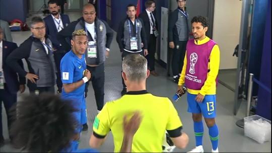 Neymar no ar, no chão, amistoso e solitário... A atuação do craque em imagens