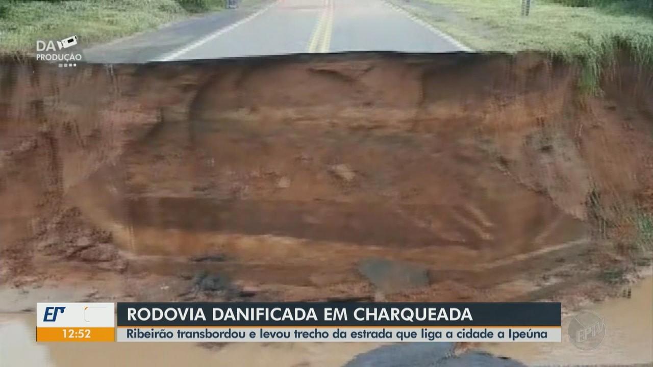 Chuva leva trecho de rodovia em Charqueada