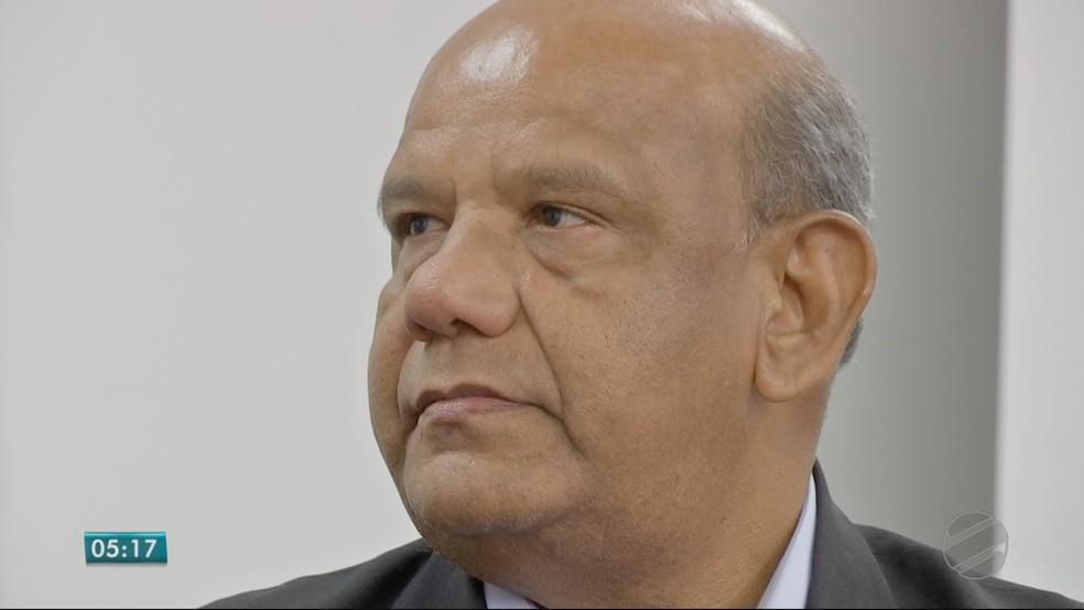 Aladir Leite Alburquerque  (PPL), candidato ao Senado (Foto: TVCA/ Reprodução)