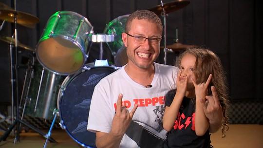 Revista de Sábado conhece Bibi, uma baterista sorocabana de 5 anos de idade