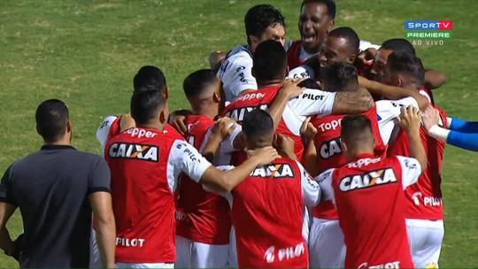 Com falhas defensivas, Coritiba perde para a Ponte e acumula o 17° tropeço como visitante