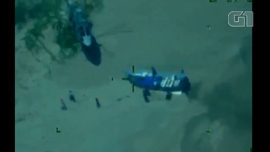 Vídeo mostra perseguição de helicóptero da Marinha a suspeitos de narcotráfico em lancha no México