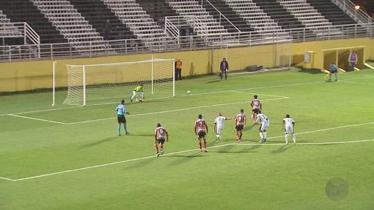 Tchô se consolida na meia do Botafogo e comenta boa fase da equipe