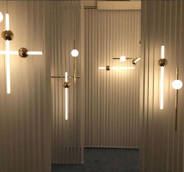 Luminárias do inglês Lee Broom, na Semana de Milão 2018 (Foto: Casa e Jardim)