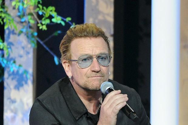 Bono, vocalista do U2, realiza o terceiro leilão RED (Foto: Getty Images)