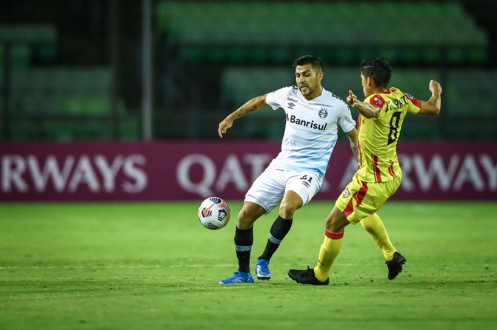 Pinares não fez um grande jogo na Venezuela — Foto: Lucas Uebel / Grêmio FBPA