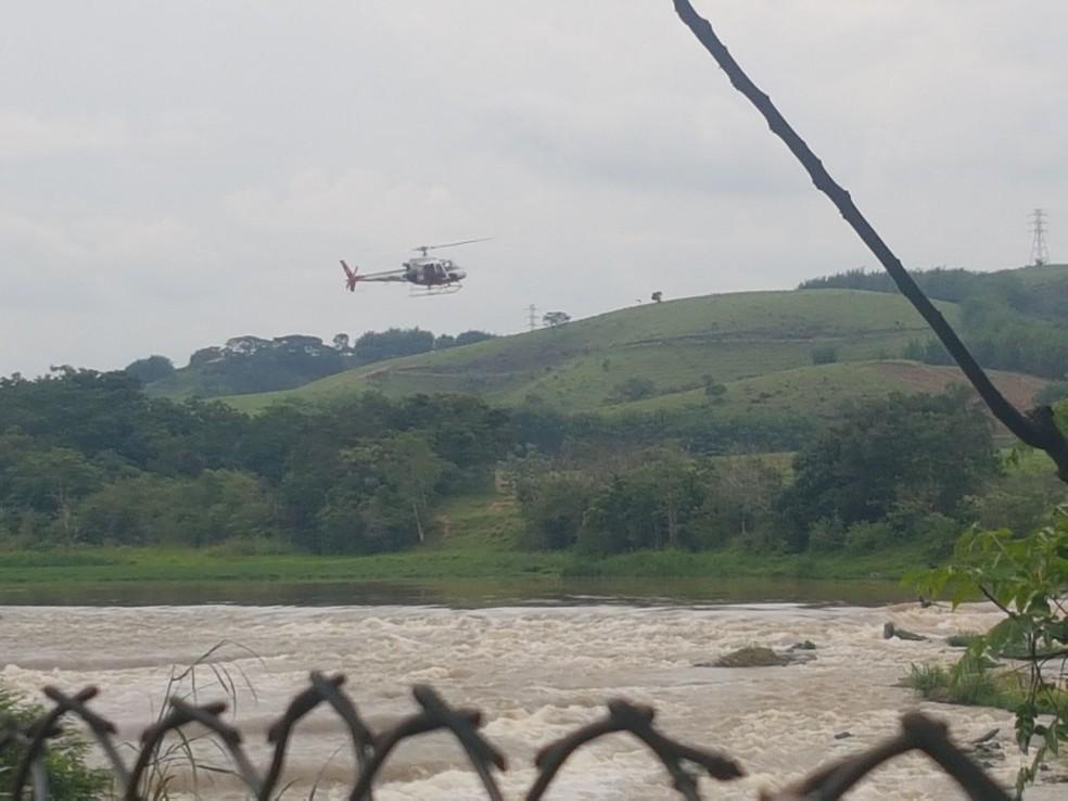 Buscas por policial militar são retomadas em São José (Foto: Central de Informações/ Divulgação)