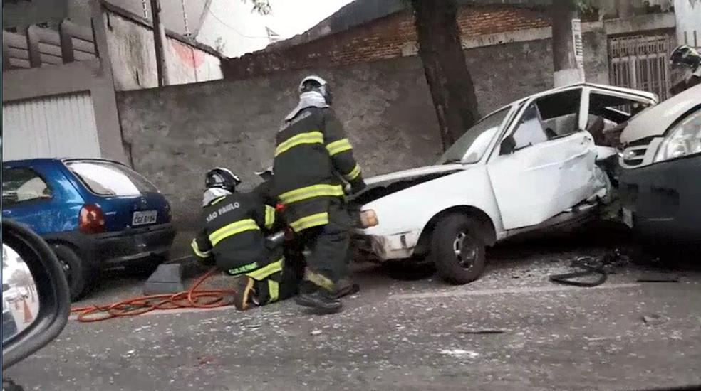 Houve vazamento de gás natural de um veículo, mas os bombeiros conseguiram controlar (Foto: Fábio Silva/ Vanguarda Repórter)
