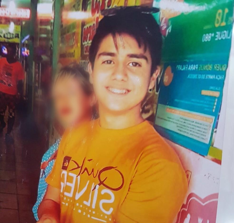 Adolescente foi morto após criminosos assaltarem casa que morava (Foto: Reprodução)