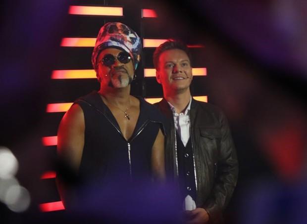Carlinhos Brown e MIchel Teló (Foto: Daniel Janssens/QUEM)