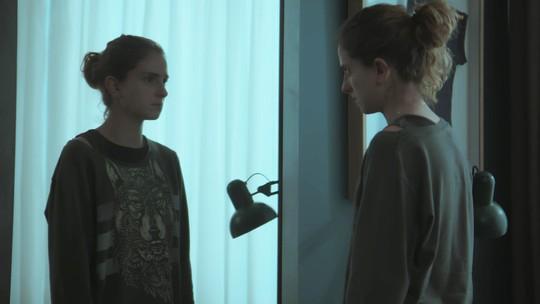 Ivana diz a Zu que se sente estranha: 'Só a minha cabeça está certa'