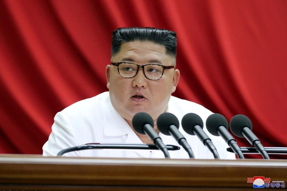 O líder norte-coreano, Kim Jong-Un, em foto de 29 de dezembro. — Foto: KCNA via Reuters