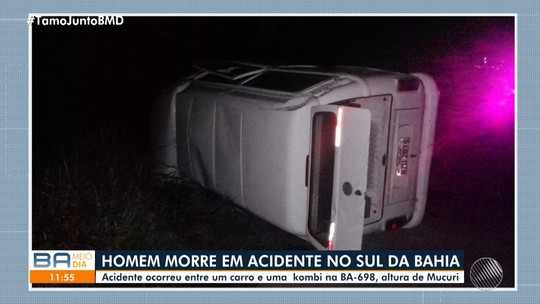 Homem morre e outro fica ferido após batida entre carro e kombi no sul da Bahia