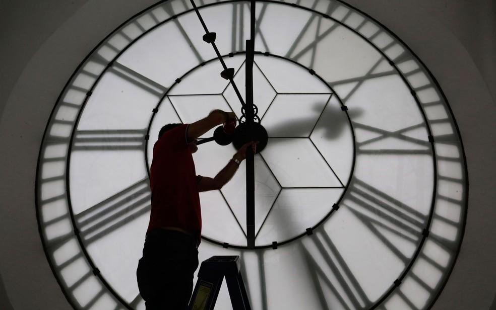 Relógio na Estação da Luz, em São Paulo (Foto: Nelson Antoine/Estadão Conteúdo)