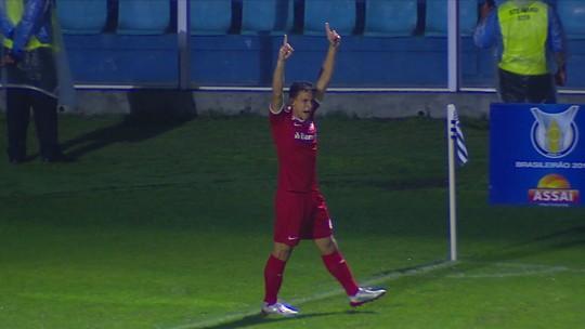 De volta após um mês, Sarrafiore é o jogador do Inter que precisa de menos tempo para marcar gols
