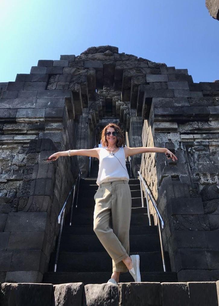 Camilla Guebur na Indonésia (Foto: Divulgação)