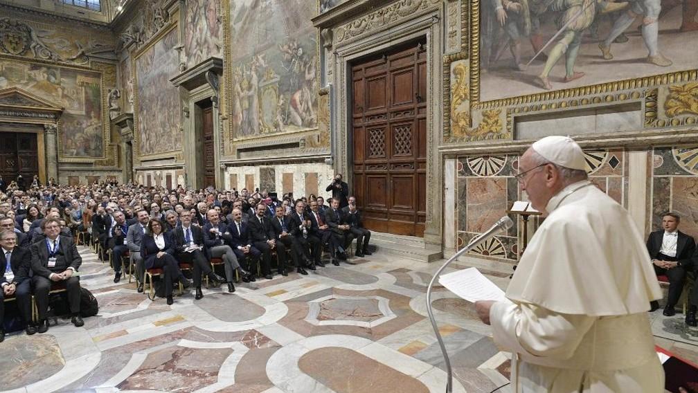 Em encontro com advogados, Papa Francisco diz que quer incluir 'pecado ecológico' na doutrina da Igreja — Foto: Divulgação/Vatican News