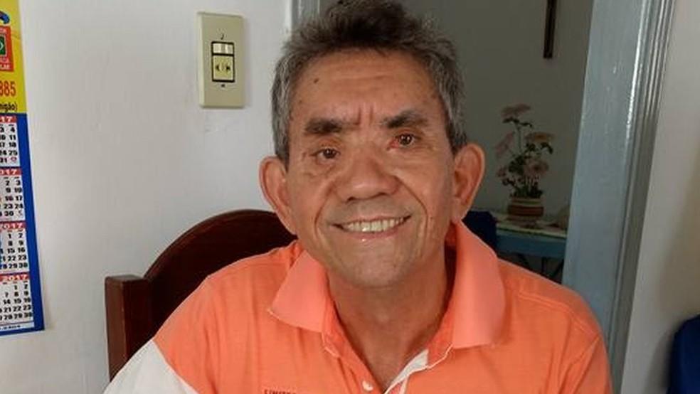 Um estudante de 12 anos agrediu o professor Paulo Procópio, de 62 anos, com um caderno e com socos  — Foto: Arquivo pessoal