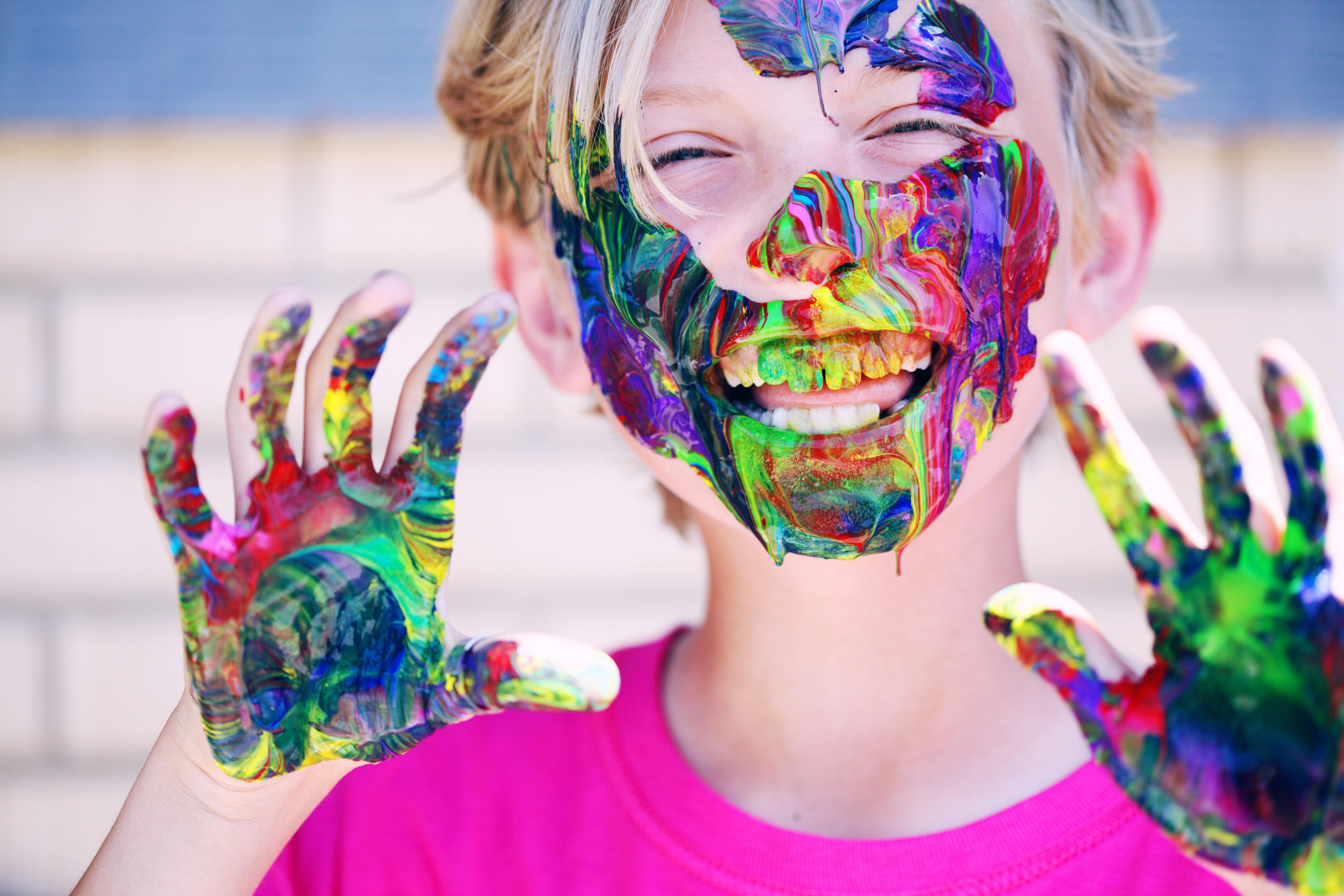 Tem Na Web - Férias: Por que você deve deixar o seu filho se sujar?