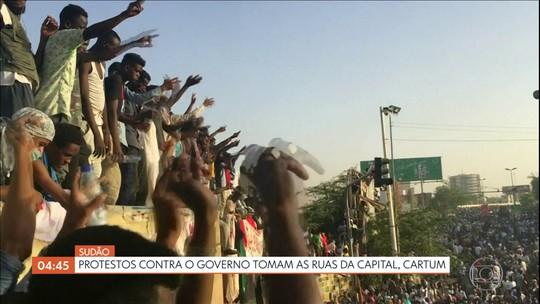 Protestos contra o governo tomam as ruas do Sudão
