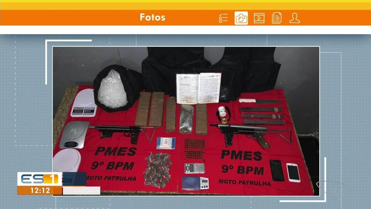 PM encontra armas, drogas e munições em apartamento vazio em Cachoeiro de Itapemirim