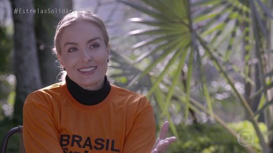 Angélica é voluntária em projeto que isola do frio casas humildes no 'Estrelas Solidárias'