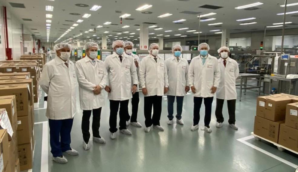 Governadores visitam Bthek Biotecnologia, unidade da União Química no DF — Foto: União Química/Divulgação