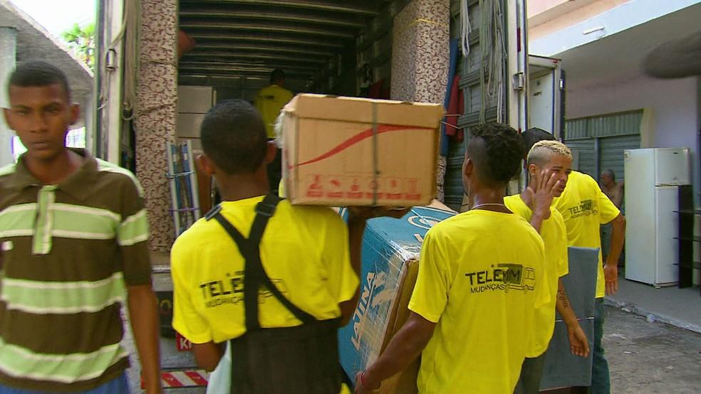 Um terço dos moradores do Holiday, Zona Sul do Recife, deixou apartamentos — Foto: Reprodução/TV Globo
