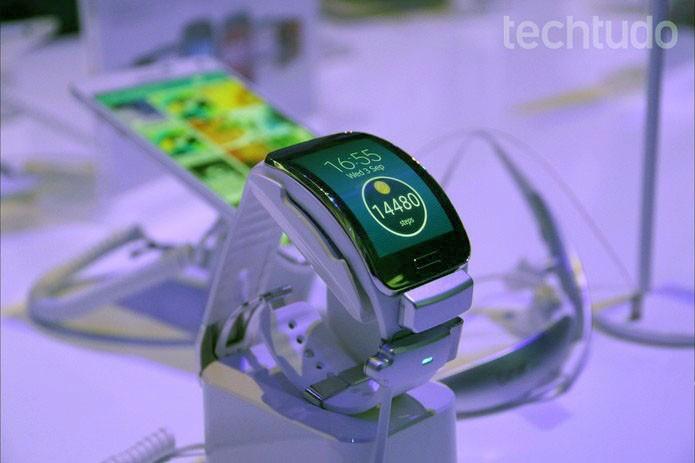 Microsoft deve lançar concorrente do Gear S, da Samsung, nas próximas semanas (Foto: Fabrício Vitorino/TechTudo) (Foto: Microsoft deve lançar concorrente do Gear S, da Samsung, nas próximas semanas (Foto: Fabrício Vitorino/TechTudo))
