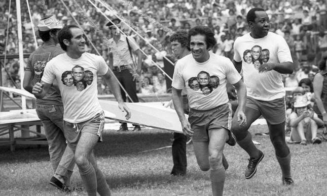 Apresentação dos Trapalhões para a chegada do Papai Noel no Maracanã, em 9 de dezembro de 1978