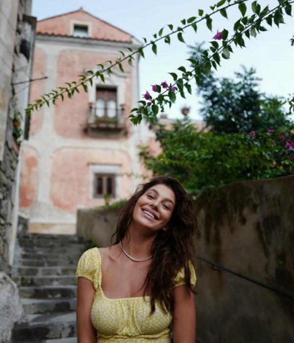 Camila Morrone (Foto: Reprodução Instagram)
