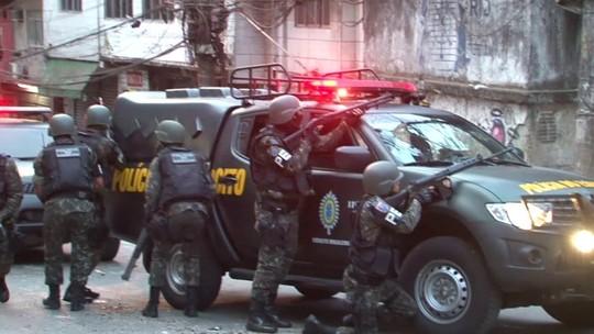 Câmeras registram semana de guerra e terror na favela da Rocinha