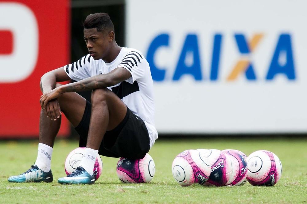 Agente confirma sondagens a Bruno Henrique — Mercado da Bola