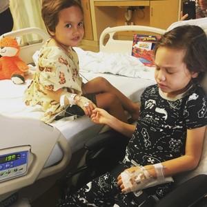 Os irmãos enfrentando, juntos, o câncer (Foto: Reprodução Instagram)