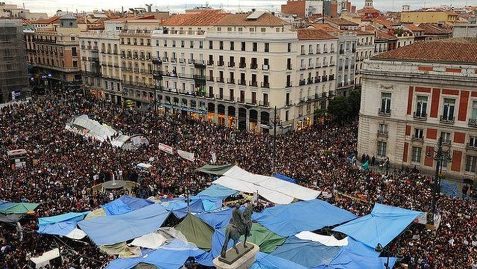 A crise na Espanha levou os espanhóis às ruas, especialmente em Madri, no movimento dos 'indignados' — Foto: Jasper Ruinen