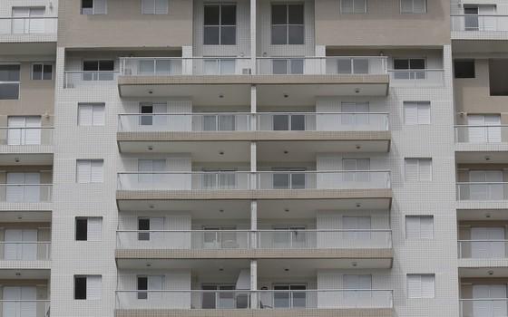 Triplex no Guarujá (Foto: Edilson Dantas / Agência O Globo)