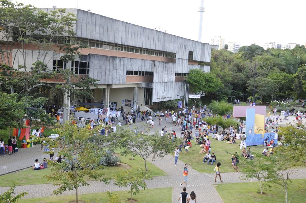 Ufba tem 40 mil alunos, divididos entre os três campi da instituição. â?? Foto: Reprodução/ TV Bahia